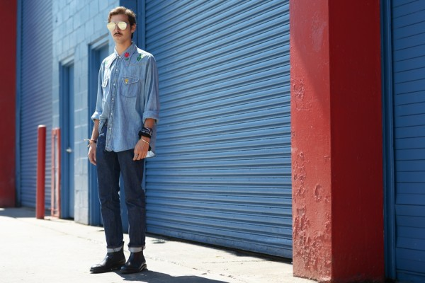 streetstyle_new_york_fashion_week_roberto_de_rosa_denim_outside_fashionshow