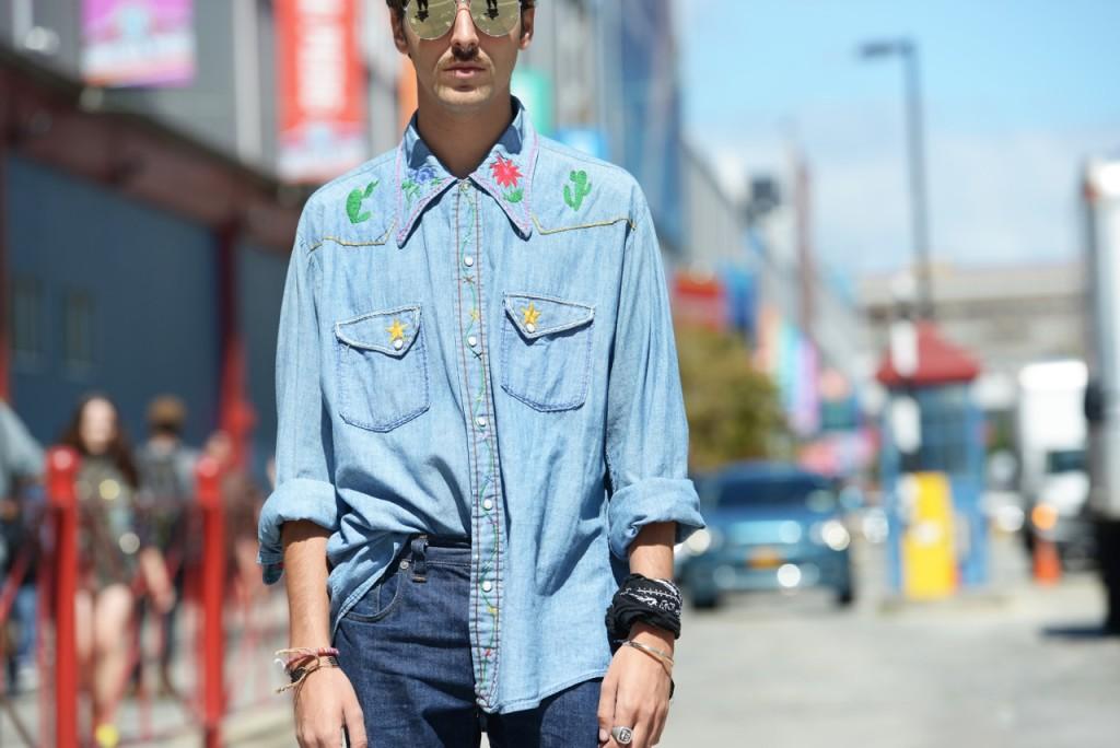 streetstyle_new_york_fashion_week_roberto_de_rosa_denim_shirt_cactus