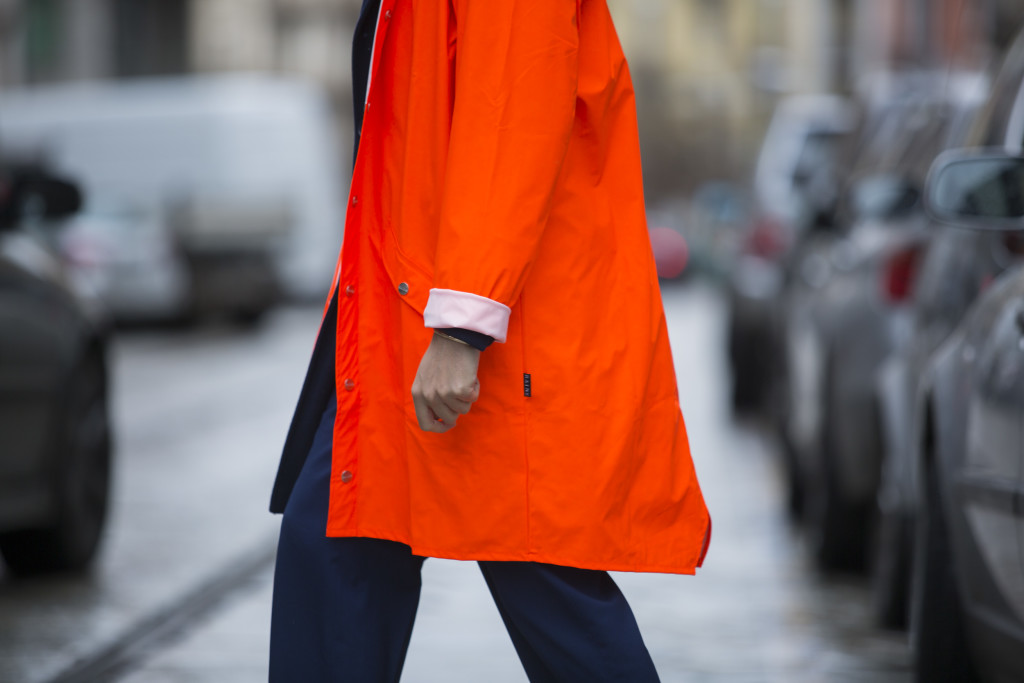 Impermeabile sopra la giacca: il mio look antipioggia per la primavera 2016 - Roberto De Rosa