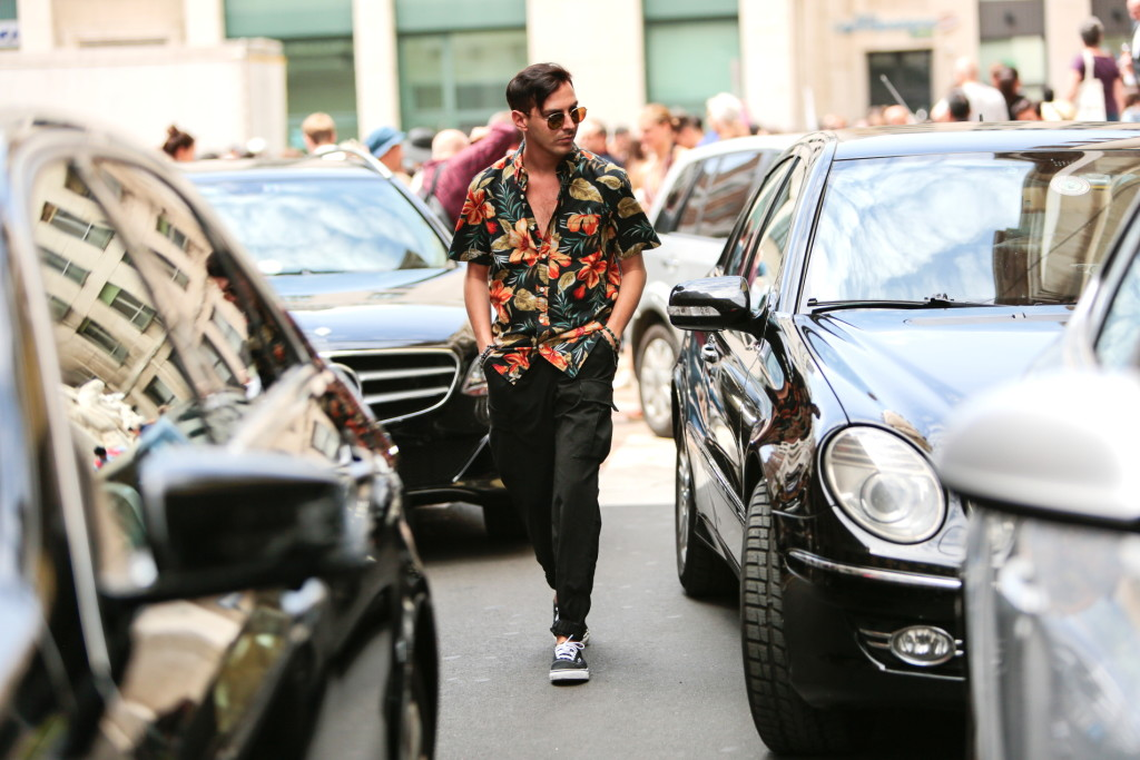 Roberto De Rosa streetstyle Milan Men Fashion Week giugno 2016 - Stampa tropical: la tendenza dell'estate 2016