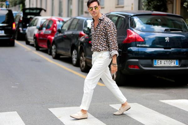 Roberto De Rosa streetstyle Milan Men Fashion Week - Camicia di lino con stampa a nuvole