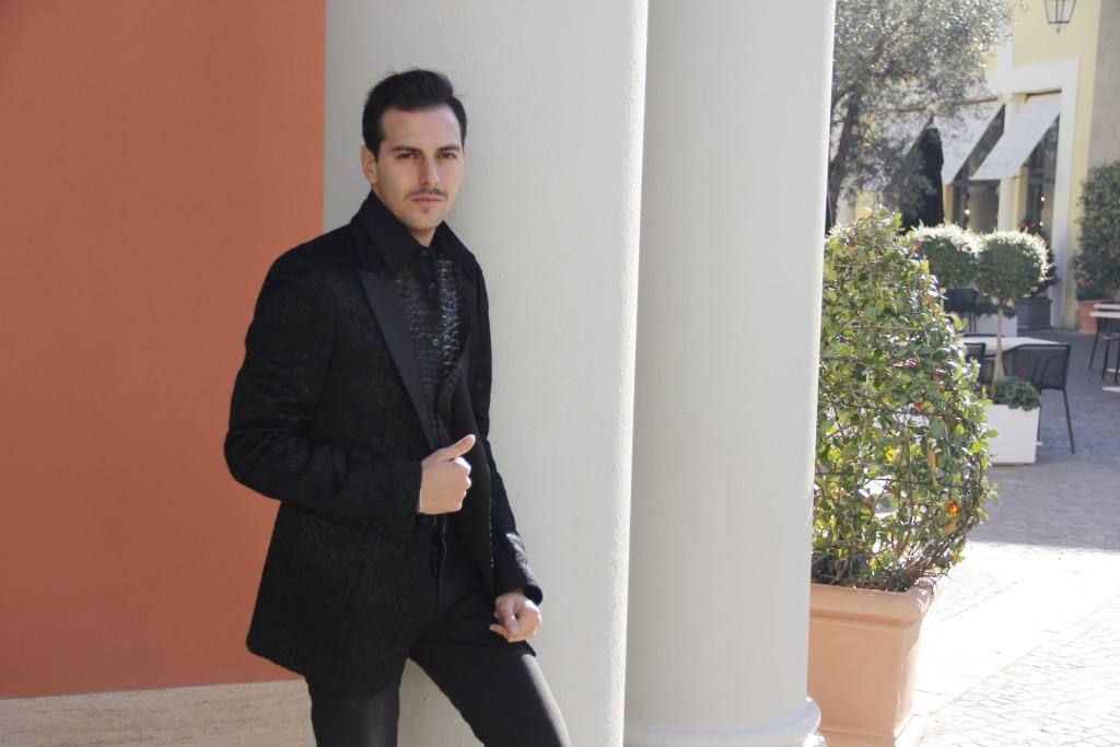 Roberto De Rosa da Just Cavalli, 2 outfit per le feste natalizie a Castel Romano Designer Outlet
