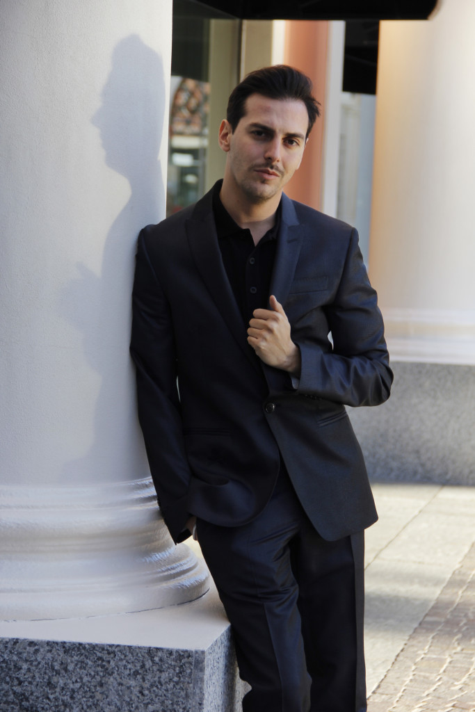 Roberto De Rosa da Philipp Plein, 2 outfit per le feste natalizie a Castel Romano Designer Outlet
