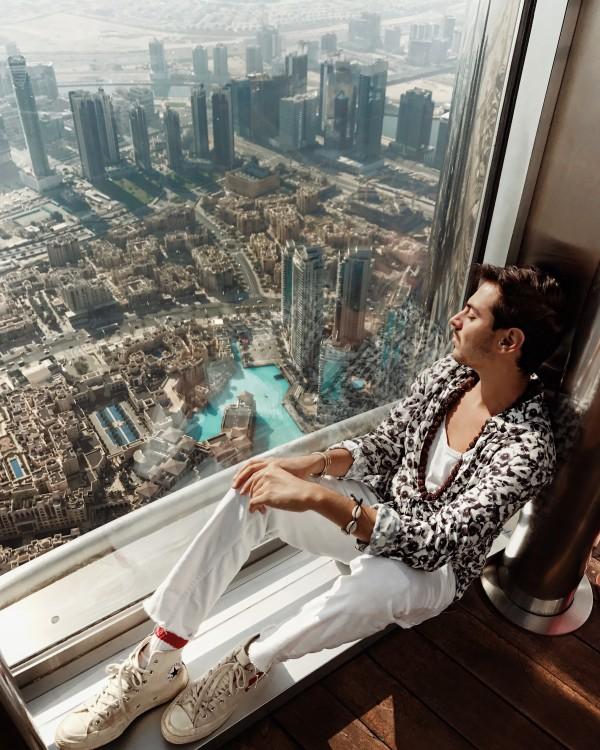 Cosa vedere a Dubai in 5 giorni - Roberto De Rosa al Burj al Khalifa